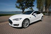 2015 Tesla Model S70D